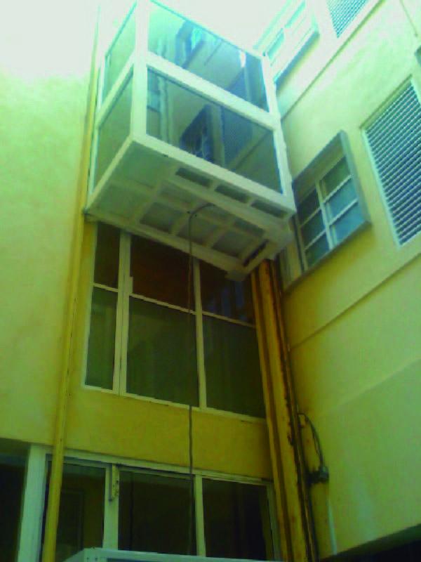 La mejor solución de transporte vertical dentro de una clínica u hospital, Elevadores Camilleros