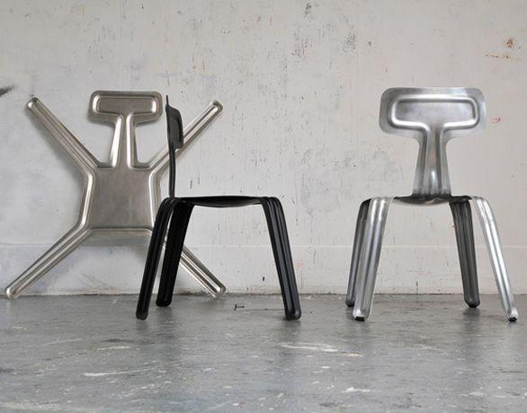 Pressed chair la sedia che si solleva con due dita design i