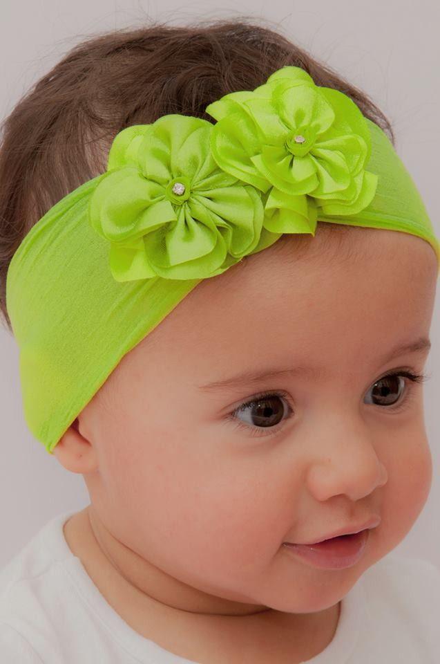 faixa em meia de seda  2 flores de aproximadamente 5 cm cada  não machuca a cabeça do bebê  *** temos também outras opções de cores ***  consulte-nos