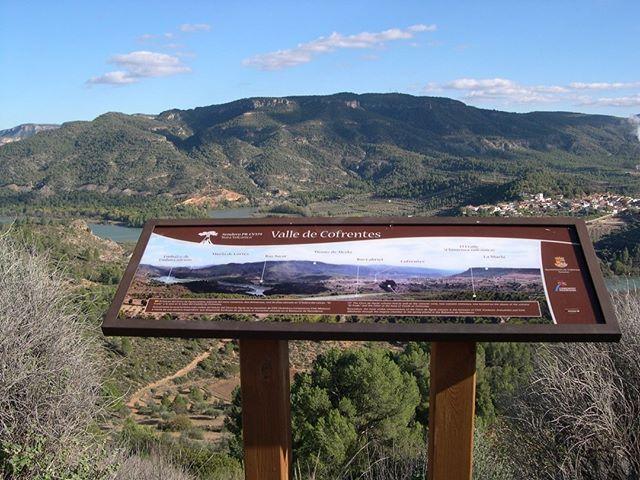 Guide points on a landscape. Puntos de referencia durante el trayecto. #Cofrentes #Valencia #SuAventura #Turismo #Deportes #Aventura…
