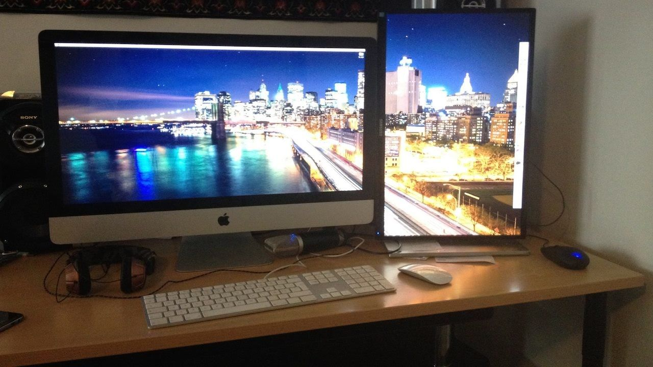 Dual monitor wallpaper on different size monitors for mac