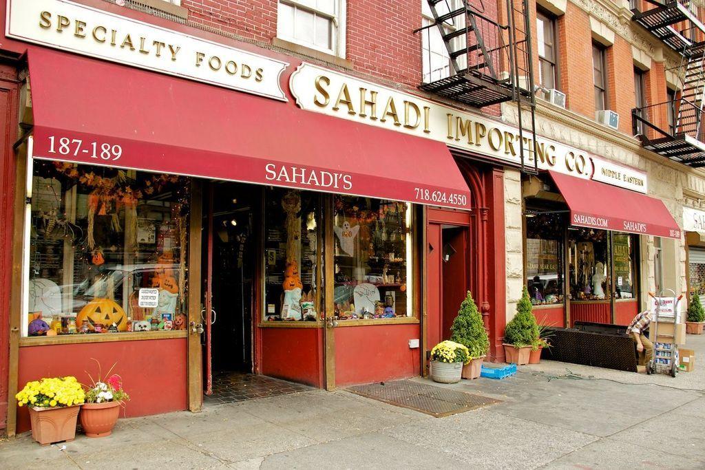 sahadi s new york food gourmet shop alles dreht sich hier ums