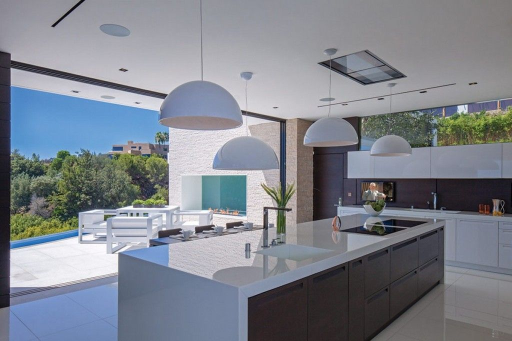 Modern luxury kitchen design with white laminate island for Luxury contemporary kitchens