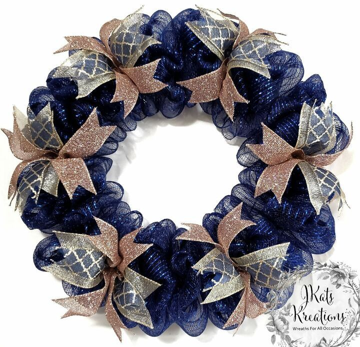 Photo of How to make a Deco Mesh Bubble Wreath Tutorial DIY