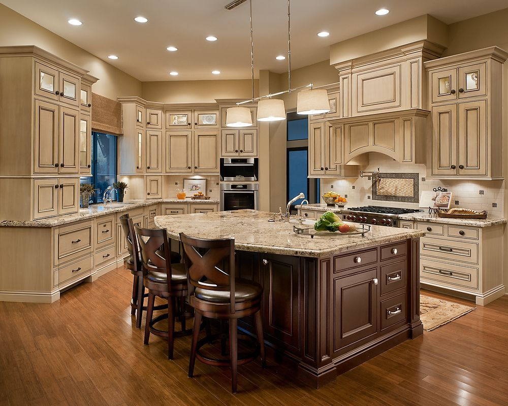 Simple and elegant cream colored kitchen cabinets