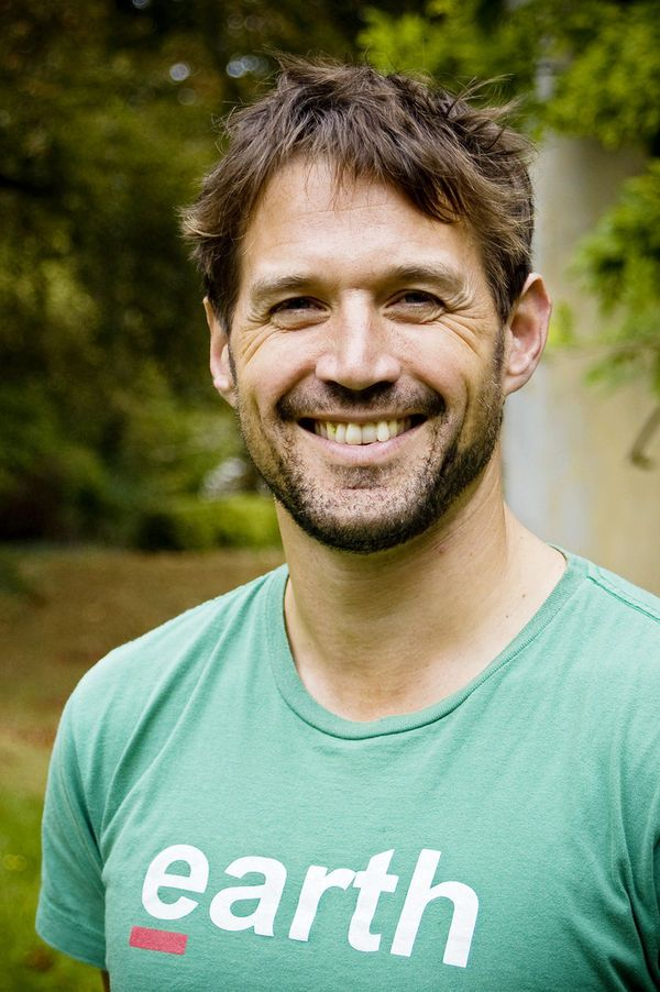 About Alistair Appleton | Biography | Television presenter ...