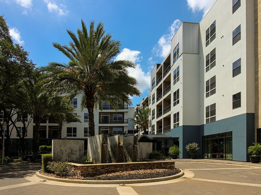 Uptown Post Oak Furnished Apartments 09 (With images