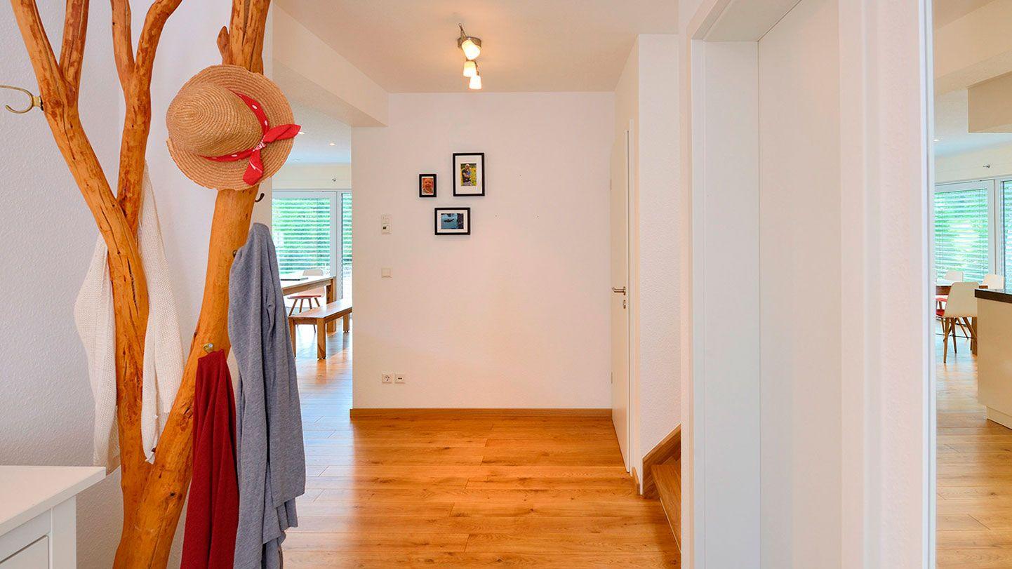 Witzige Garderoben-Idee  Naturverbundenheit innen und ...