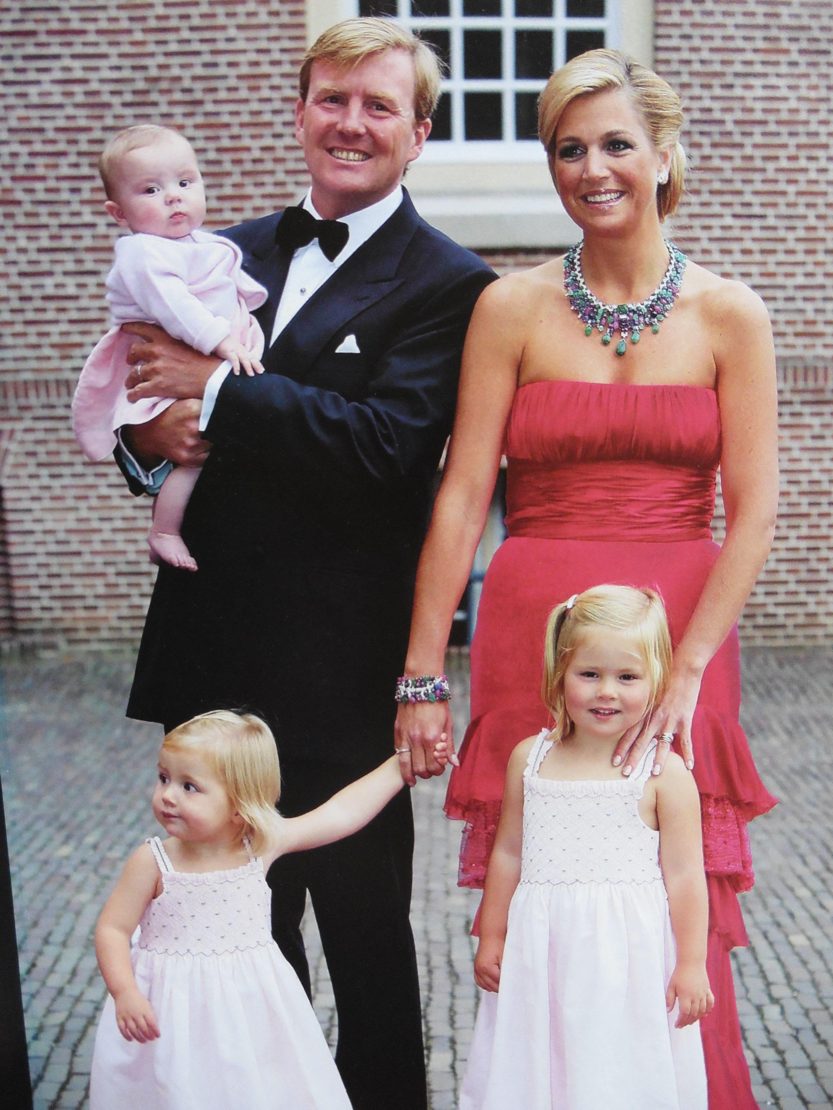 willem alexander 40 jaar WA 40 jaar   feest in Apeldoorn, later ivm geboorte Ariane  willem alexander 40 jaar