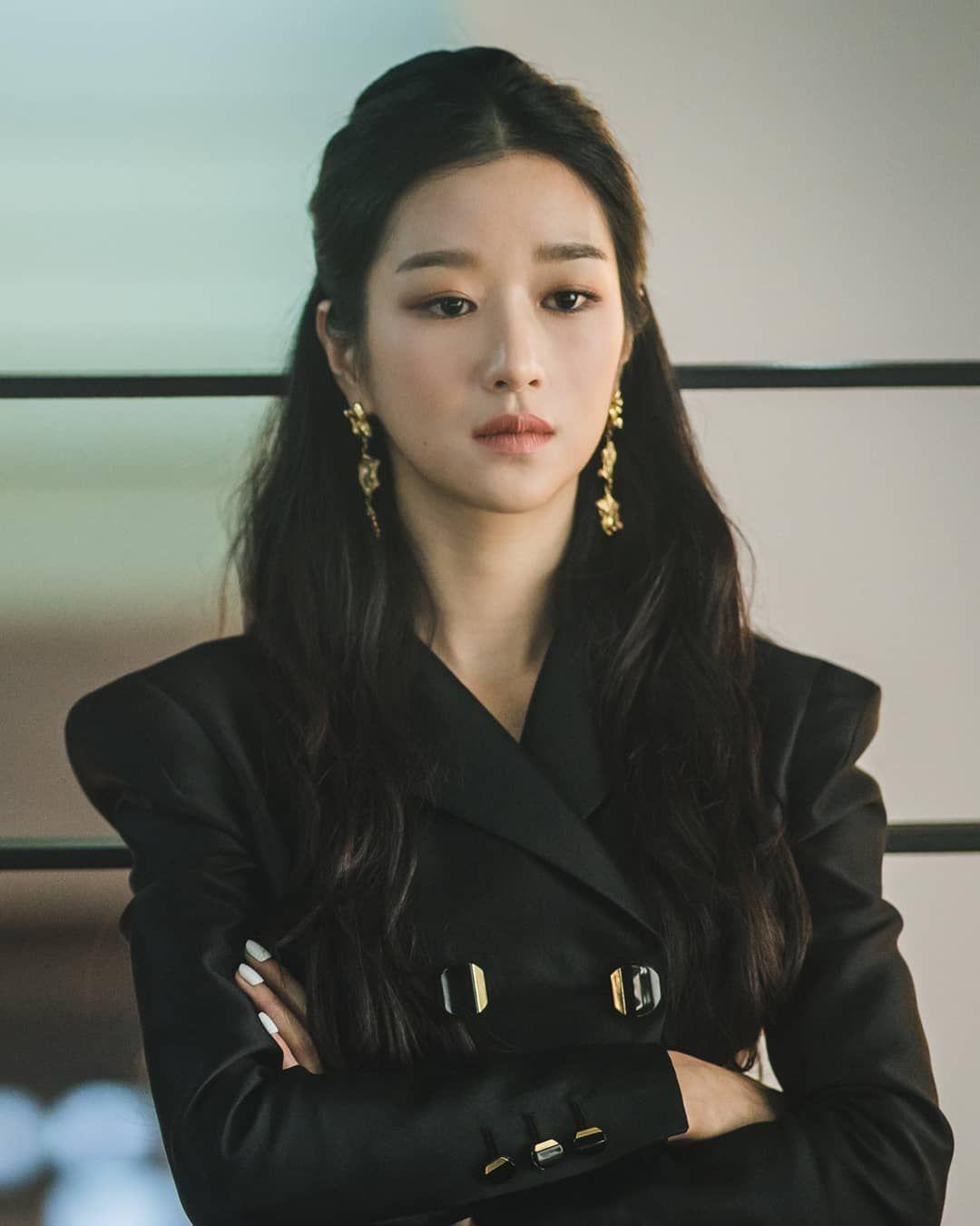 "Seo Ye-ji : ye-ji, Ye-ji, Fanpage, Instagram:, ""#SeoYeJi, #ItsOkaytoNotBeOkay, #KimSoohyun, #서예지, #사이코지만괜찮아, #무법변호사…, Fashion, Teenage, Girls,, Teenage,, Korean, Actresses"