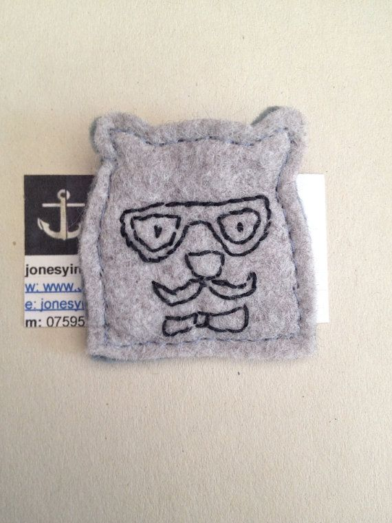 Felt bear brooch/badge on Etsy, £5.00