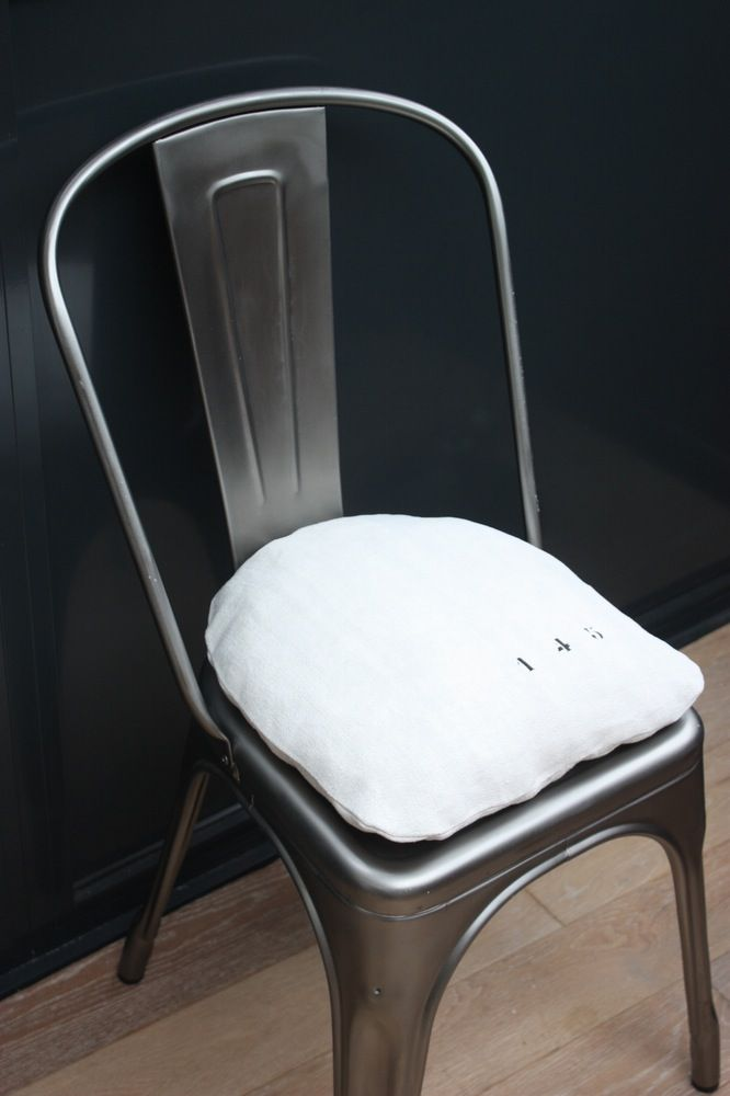 Image Of Coussin Chaise Tolix Coussin Chaise Chaises Tolix Chaise
