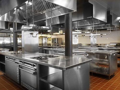 Restaurant kitchen designs google search cocinas que for Material de cocina industrial