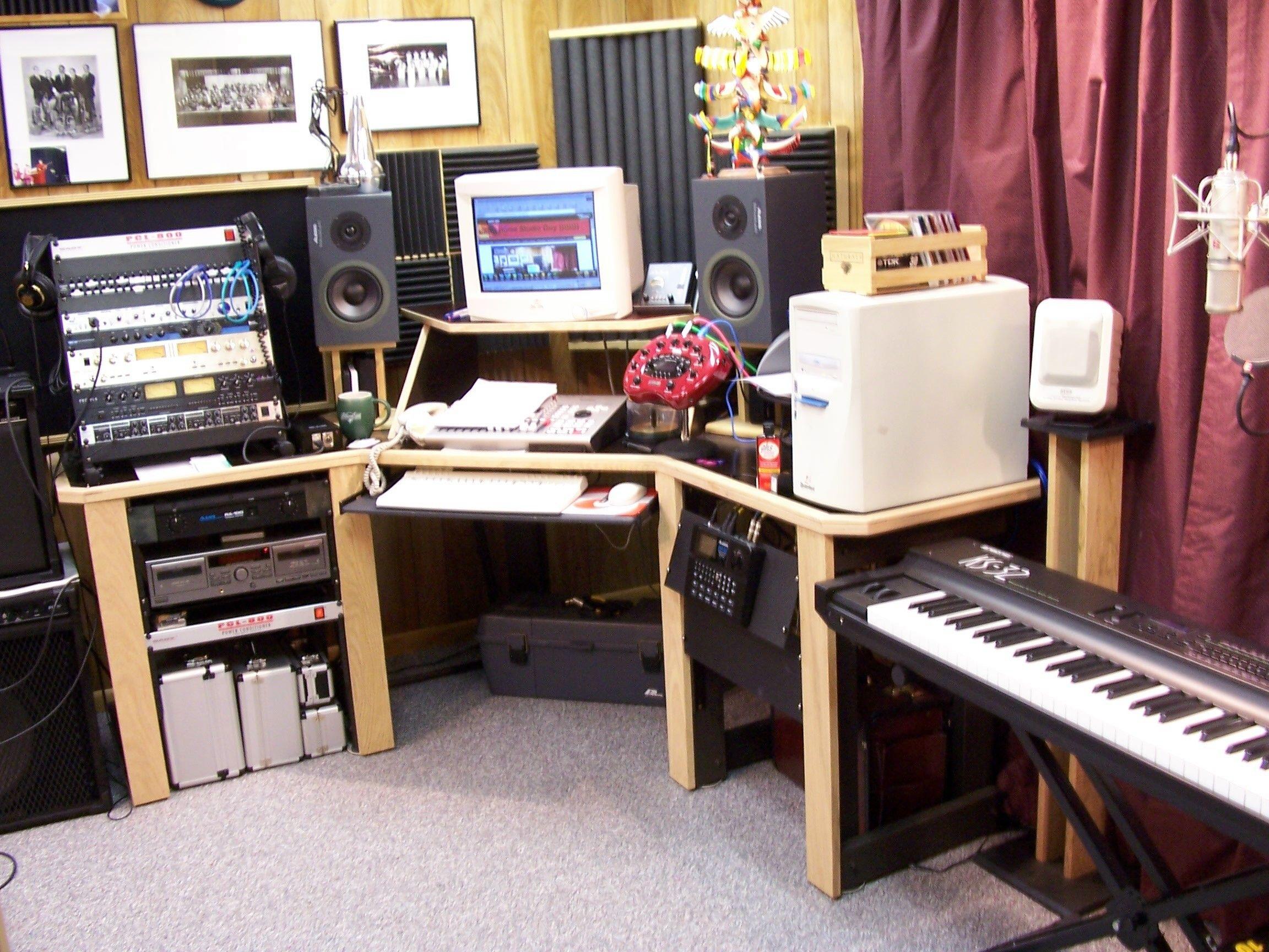 diy home studio desk music studio stuff pinterest. Black Bedroom Furniture Sets. Home Design Ideas