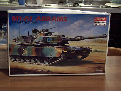 Academy US M1A1 - started - parts lot - 1/35