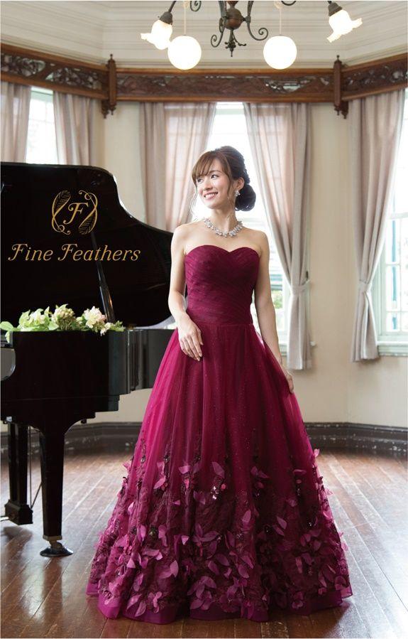 a9cd8fc77ded7 FineFeathers(ファインフェザーズ)のAラインロングドレスです。胸元を彩る繊細なレースとチュールスカートのコントラストが愛らしい華やかな1 着です。