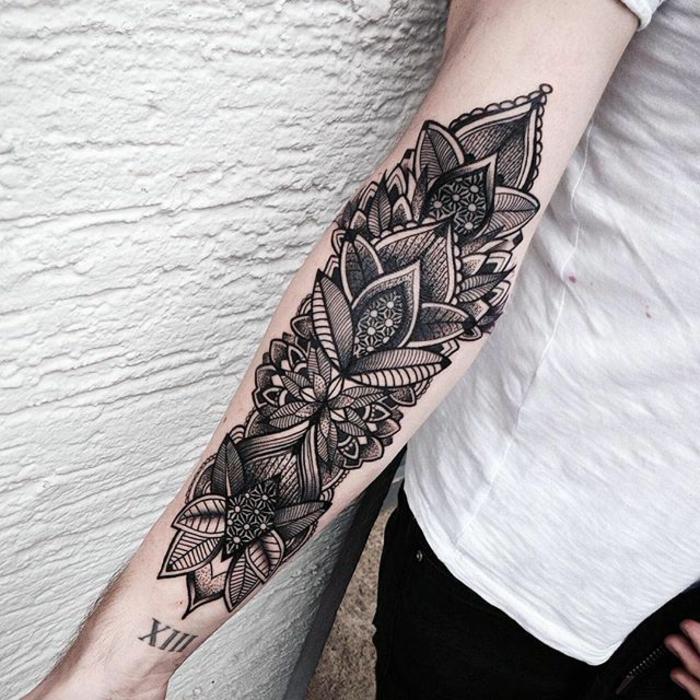 Tattoo mandala unterarm frau ▷ 150