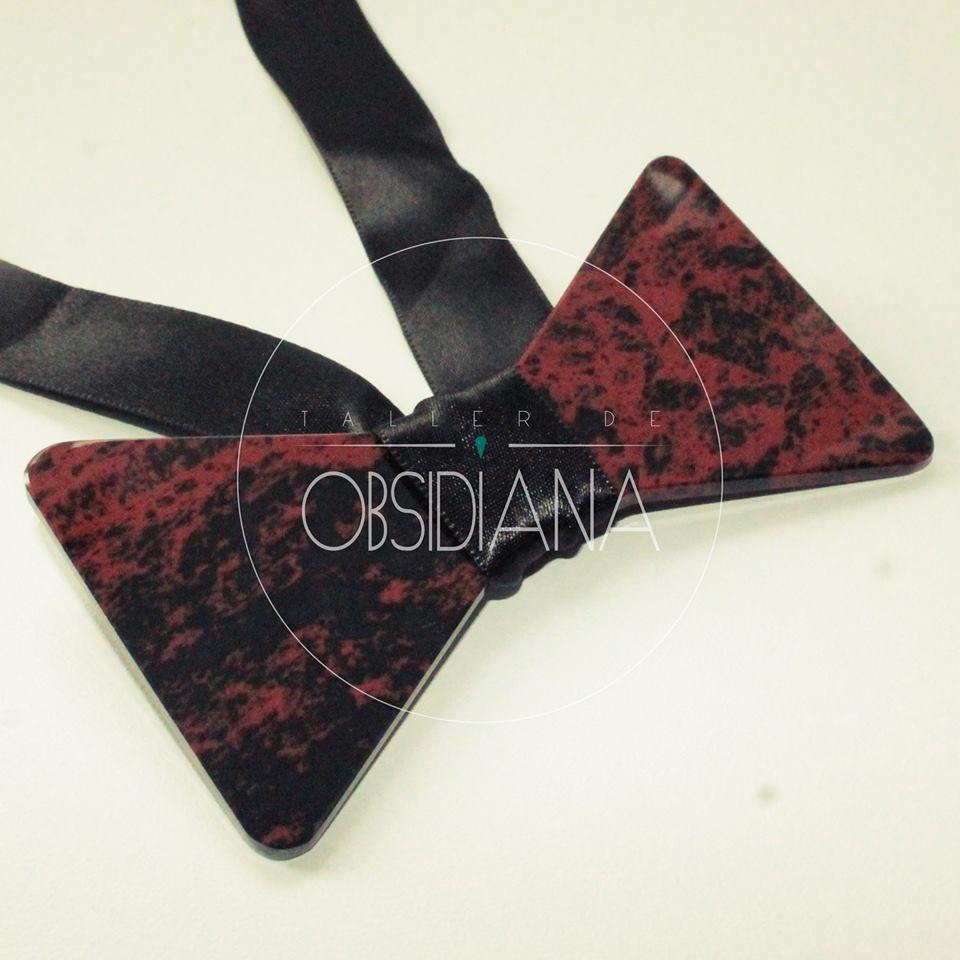 Corbatín obsidiana
