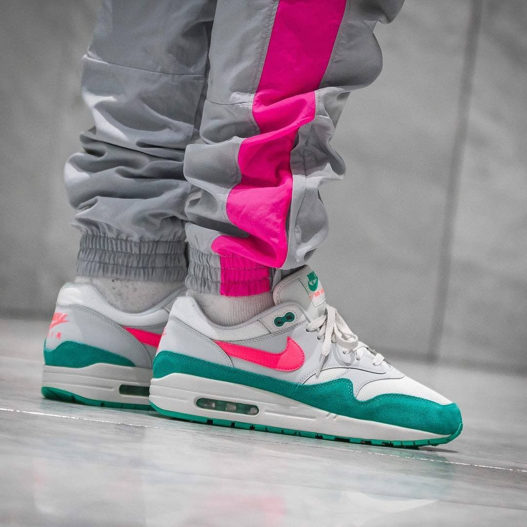 new concept e97e1 b5404 Release Date   May 3, 2018 Nike Air Max 1 « Watermelon » Credit   Afew Store
