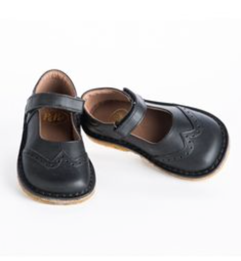 sports shoes 3503b 4c5e1 Girls Black Mary Janes by PePe Shoes | Baby girl Starnes ...