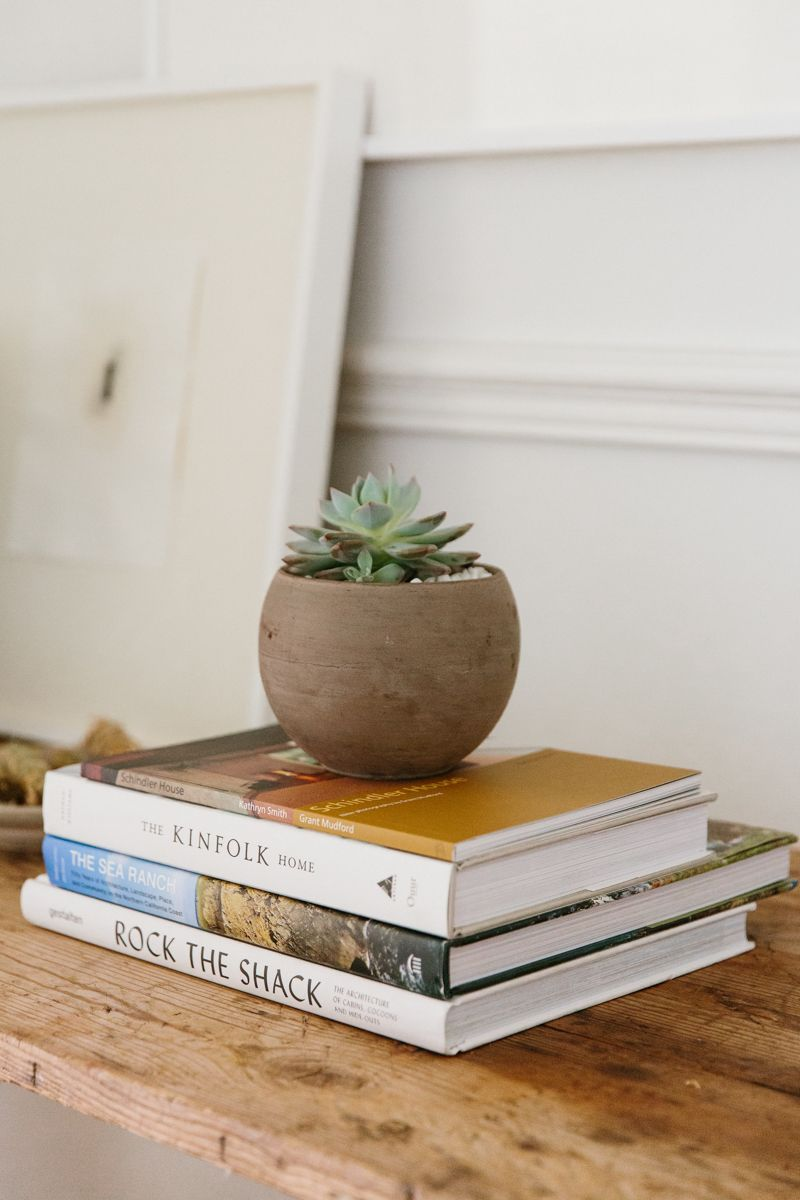 These Coffee Table Books Are The Perfect Holiday Gift For 2019 Book Flowers Botanical Flowers Print French Flowers
