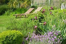 Il fait bon se reposer dans le jardin !