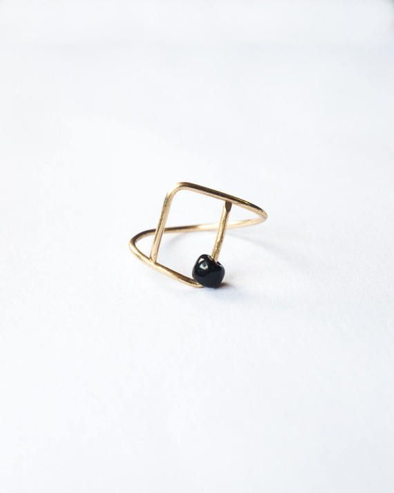 Bague Twist perle de bois fil doré ou argenté par SaraP