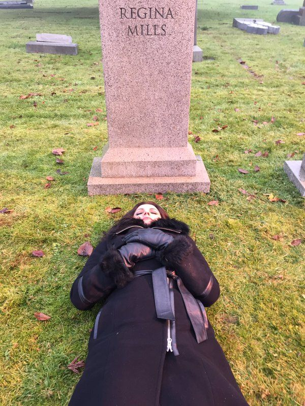 """❤ Lana Parrilla """"Not our season finale...just napping #OnceUponATime #EvilRegals """""""
