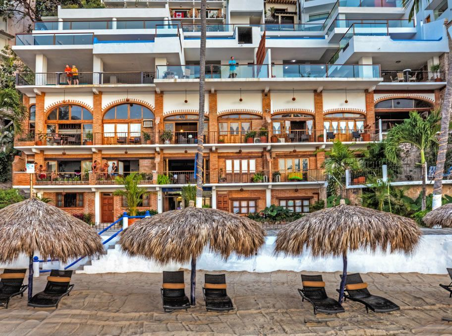 Vallarta Shores luxury sky box suites, with your own personal infinity pool, open air living, and beautifully decorated bedrooms. A stunning beachfront celebration destination.  Welcome to heaven on Earth.