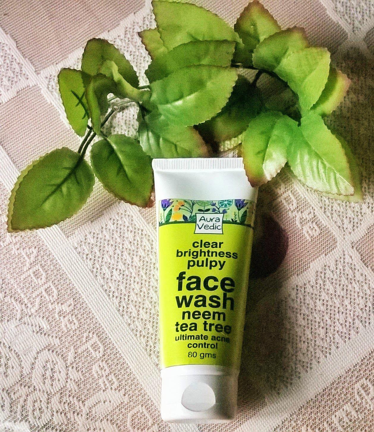 Beauty & Beyond: Auravedic Clear Brightness Pulpy Facewash Review