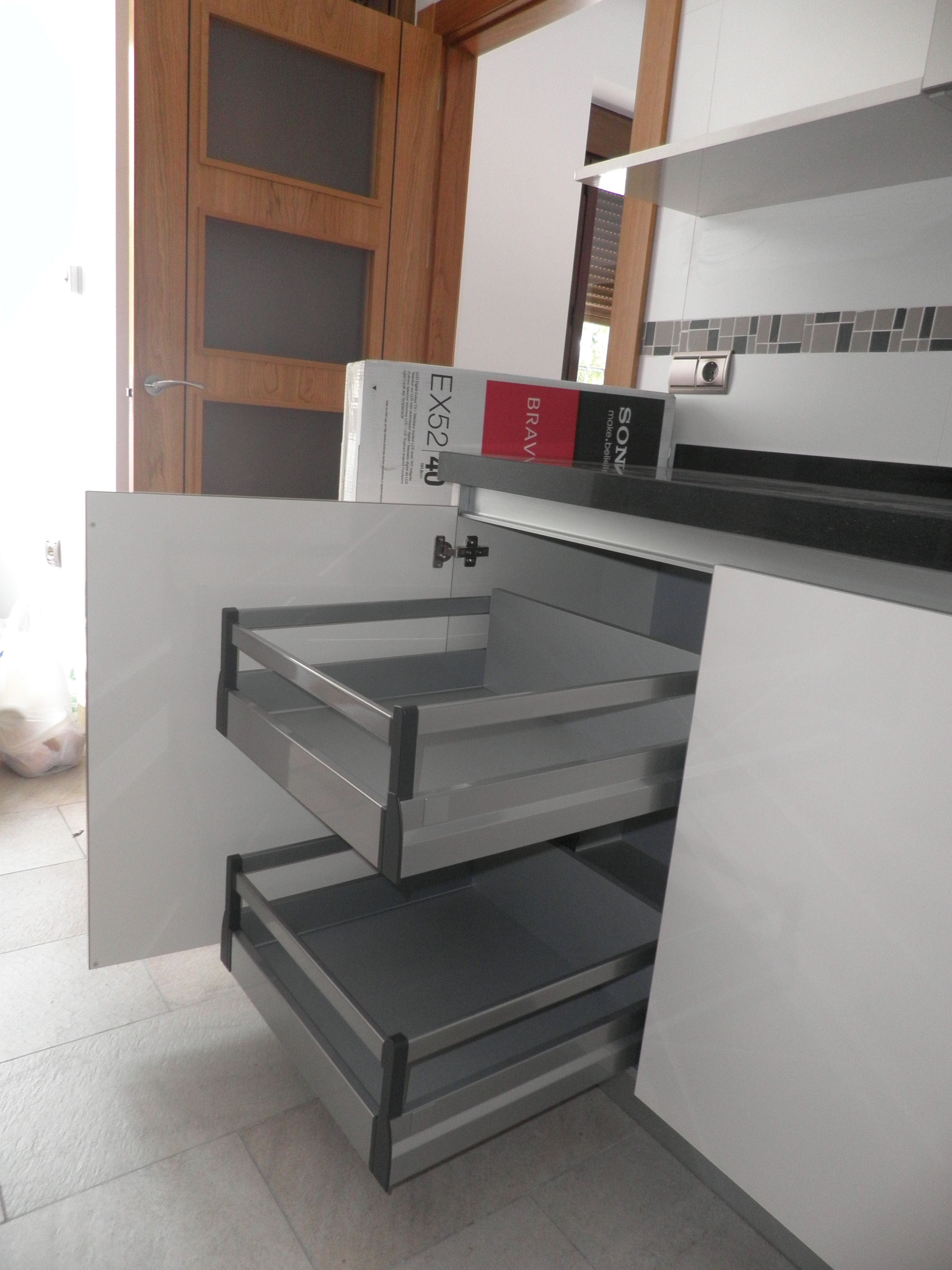 Dise O De Cocina Con Muebles Sin Tirador Encimera Silestone Negro  # Muebles Lado Cee