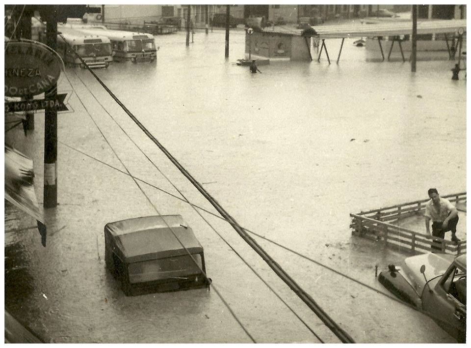 Resultado de imagem para enchente sao paulo antiga fotos