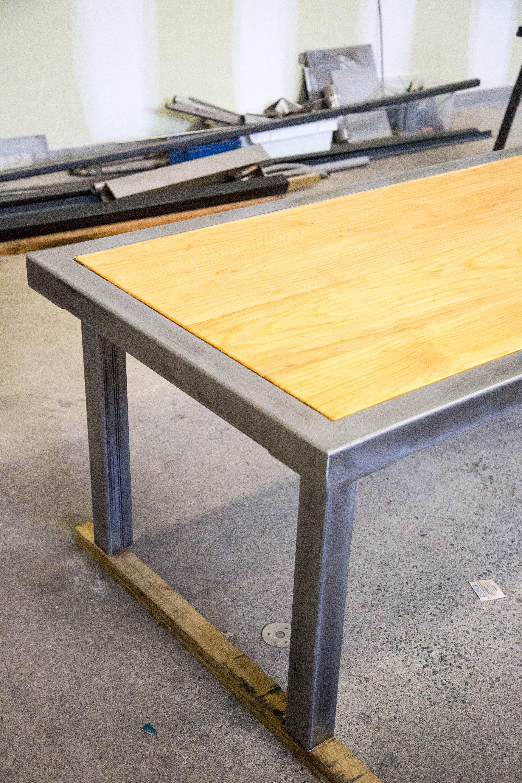 Grande table en acier et bois entièrement démontable | Tables ...