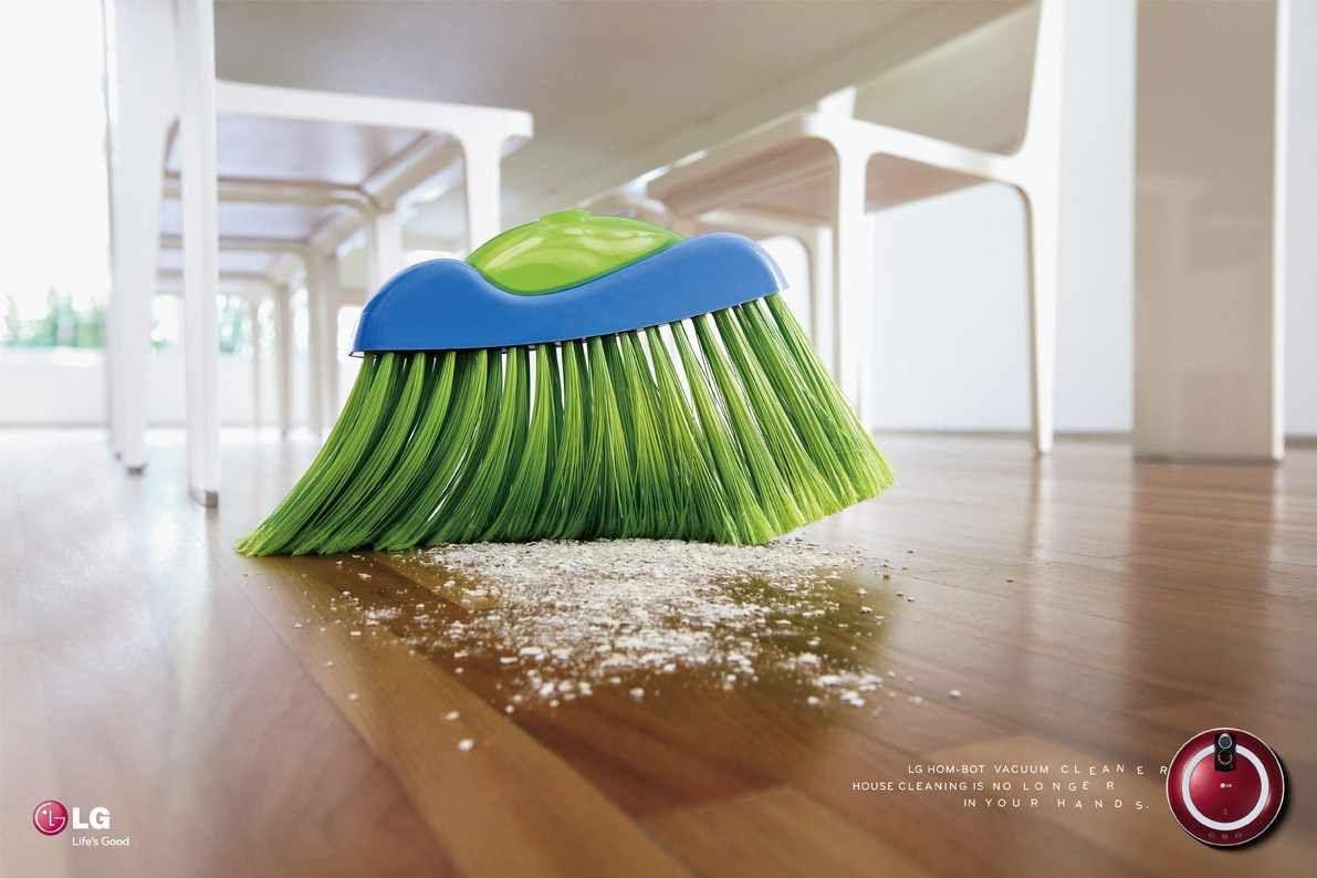 LG Hom-Bot Vacuum Cleaner: Broom, 2