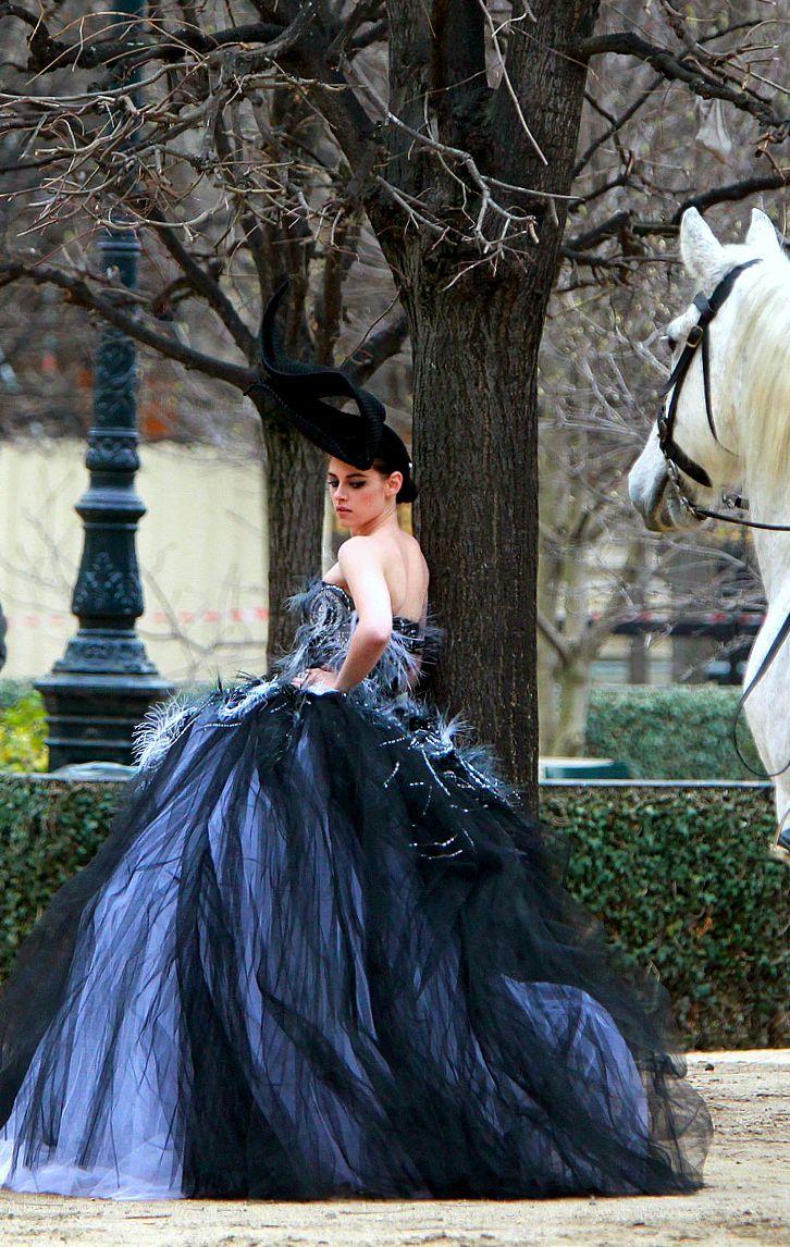 #BLUE dress |  #fashion #hautecouture #couture #style #glamour #chic | Kristen Stewart |#DiorSpring 2012 Couture| Elle July 2012