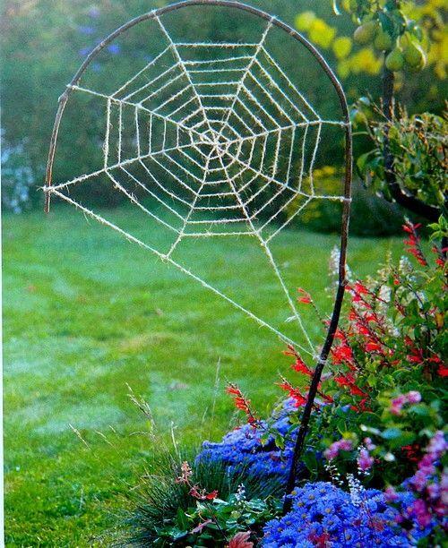 Страната отвъд дъгата: Decorative garden spider web #gartenrecycling