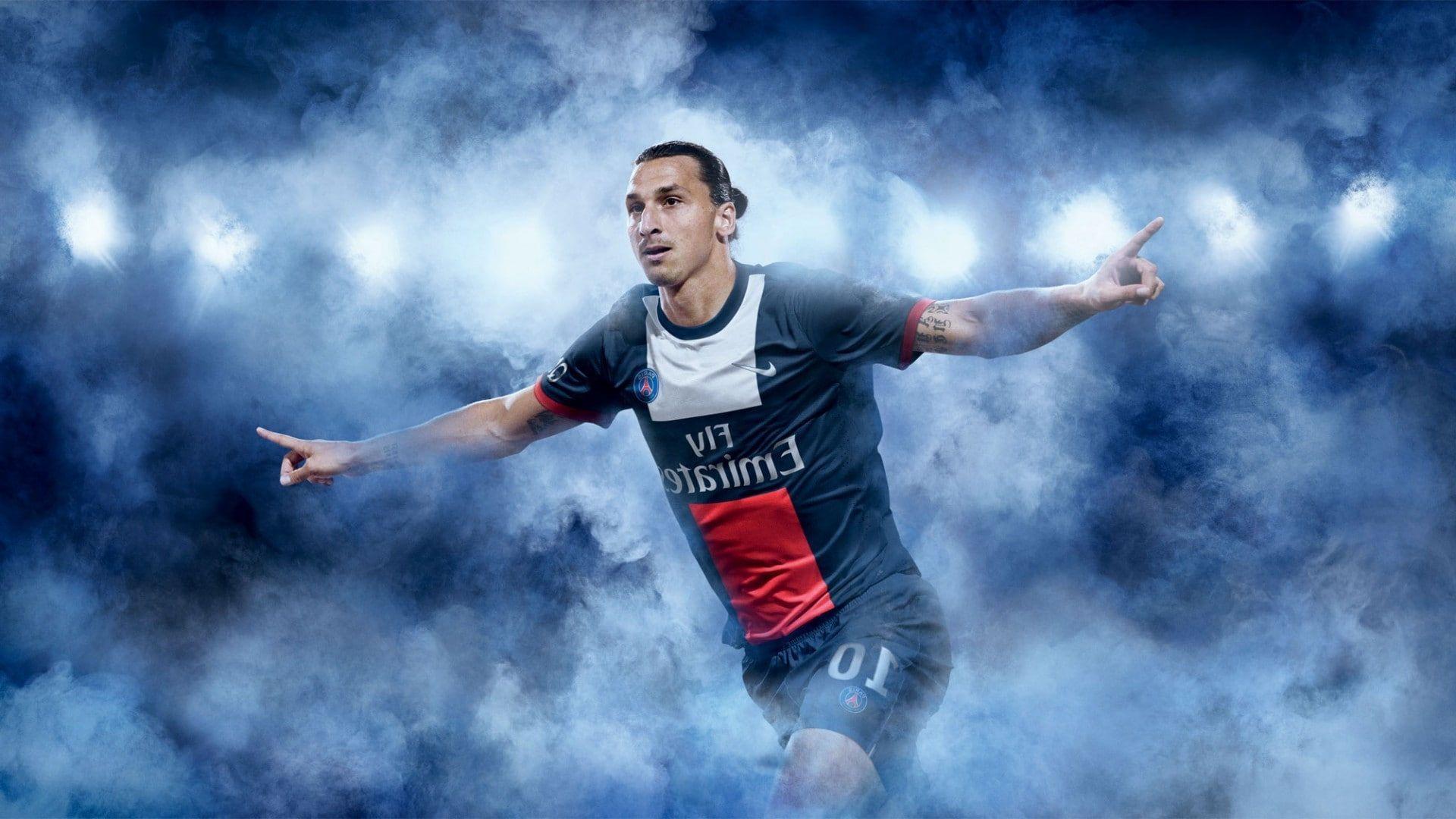 Men Zlatan Ibrahimovic 1080p Wallpaper Hdwallpaper Desktop Zlatan Ibrahimovic Good Soccer Players Paris Saint Germain