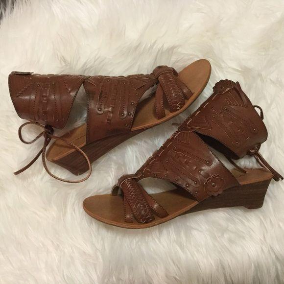 ed1448879dc Zigi Soho Gladiator Sandals Unique and lovely Zigi Soho Gladiator sandals  in like new condition.