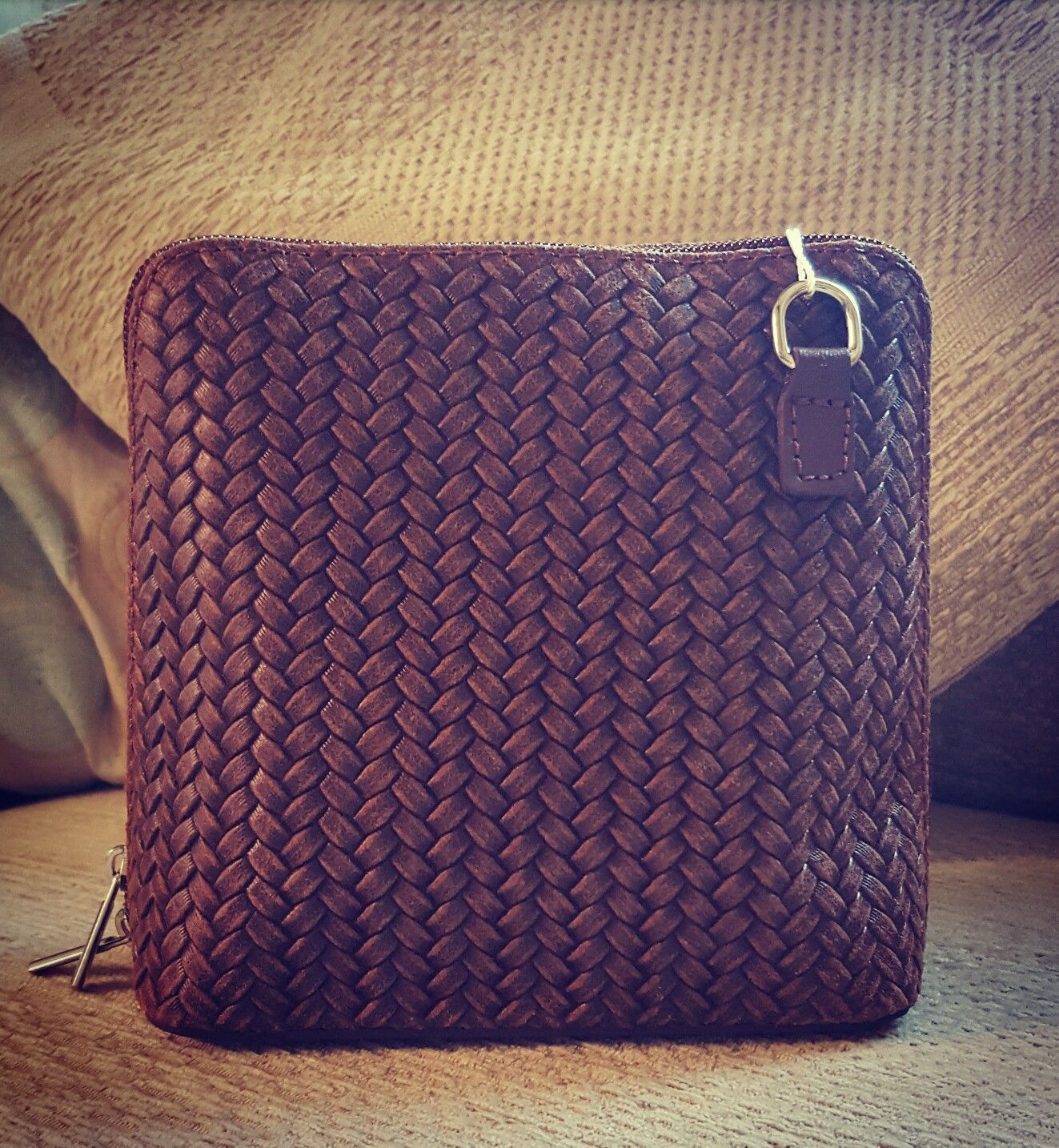 Love Handbags Take A Look At Our Beautiful Brown Woven Effect Italian Leather Handbag Just 27 50 Divineanddandy Co Uk With Free Shipping In The