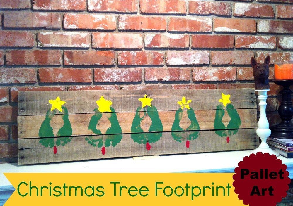 Christmas+Tree+Pallet+Art+Idea+With+Footprints