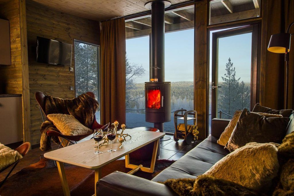 Arctic Treehouse Hotel With Images Treehouse Hotel Tree House Luxury Tree Houses