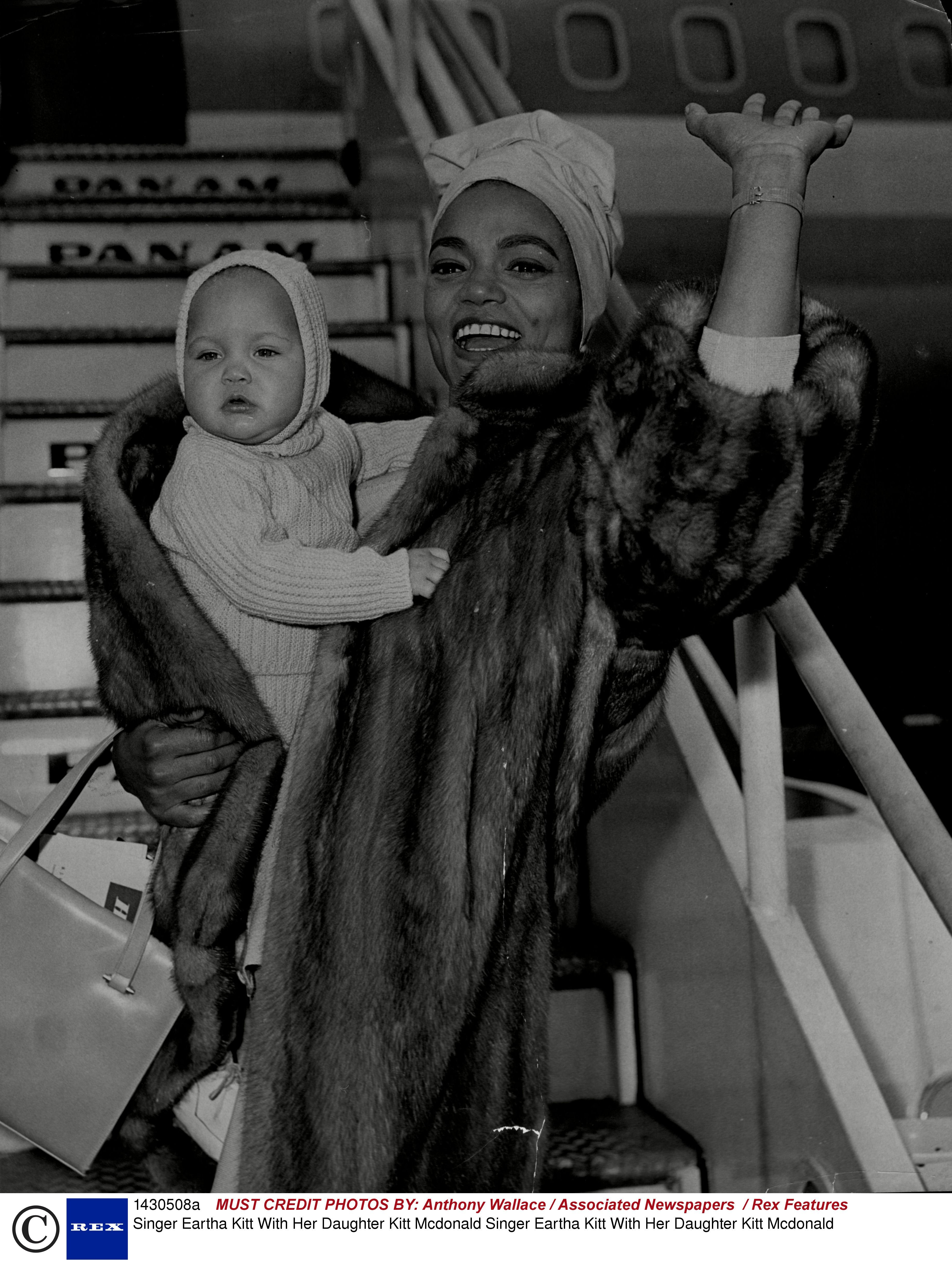 Eartha With Baby Kitt Later A Model And Then Her Mother S Manager Eartha Kitt Eartha Julie Newmar