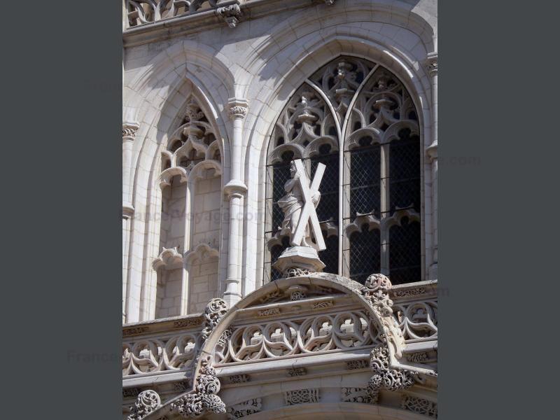Het koninklijk klooster van Brou: Koninklijk klooster van Brou: Gevel van de kerk van Brou - France-Voyage.com