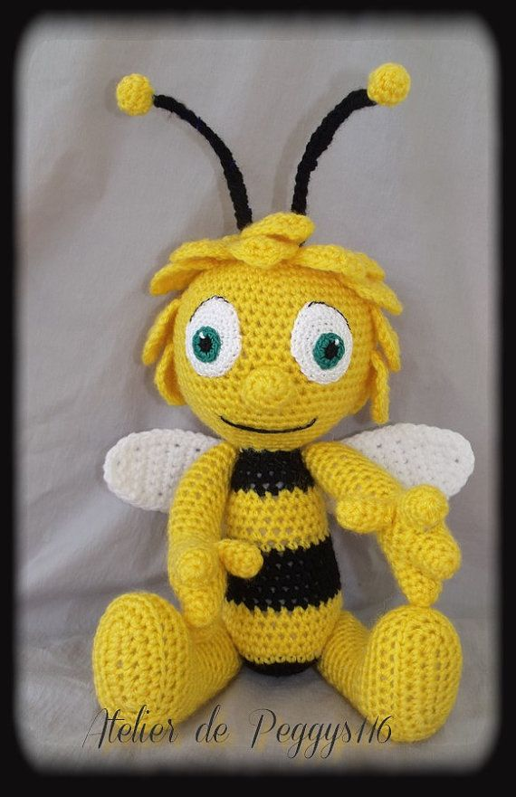 Ravelry: Maya the Bee and Willy pattern by Vanja Grundmann | 881x570