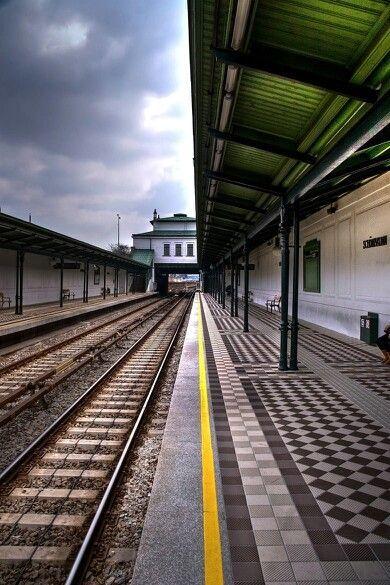 Warten auf die U-Bahn- Wien...