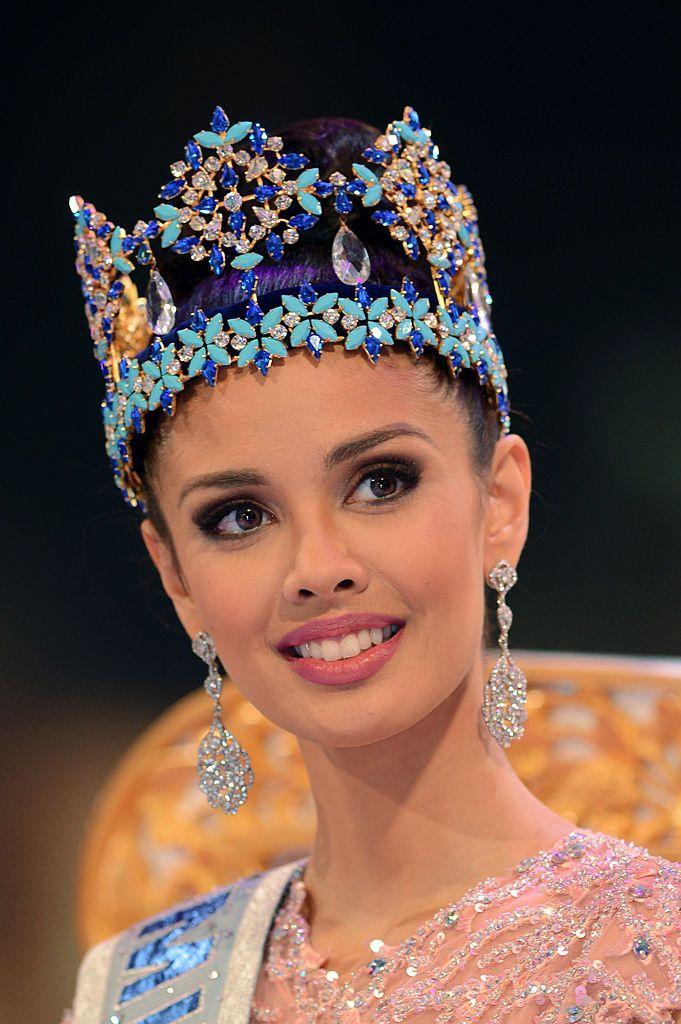 Miss World finals set to go ahead in Bali despite Muslim