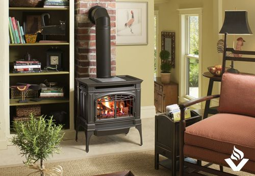 The Berkshire Is A Medium Sized Freestanding Gas Stove It Heats Up To 1 500 Sq Ft And Features A Large Fire Vie Stove Fireplace Wood Stove Gas Stove Fireplace