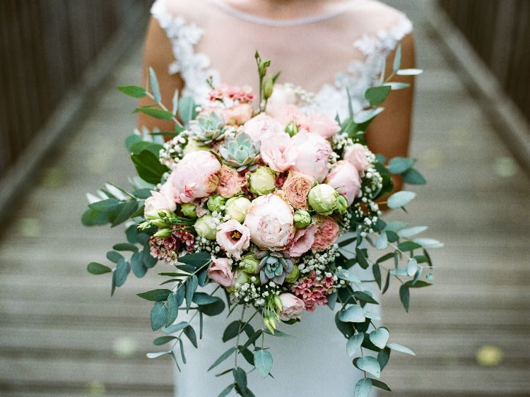 Brautstrauss Pfingstrosen Eukalyptus #weddingbridesmaidbouquets
