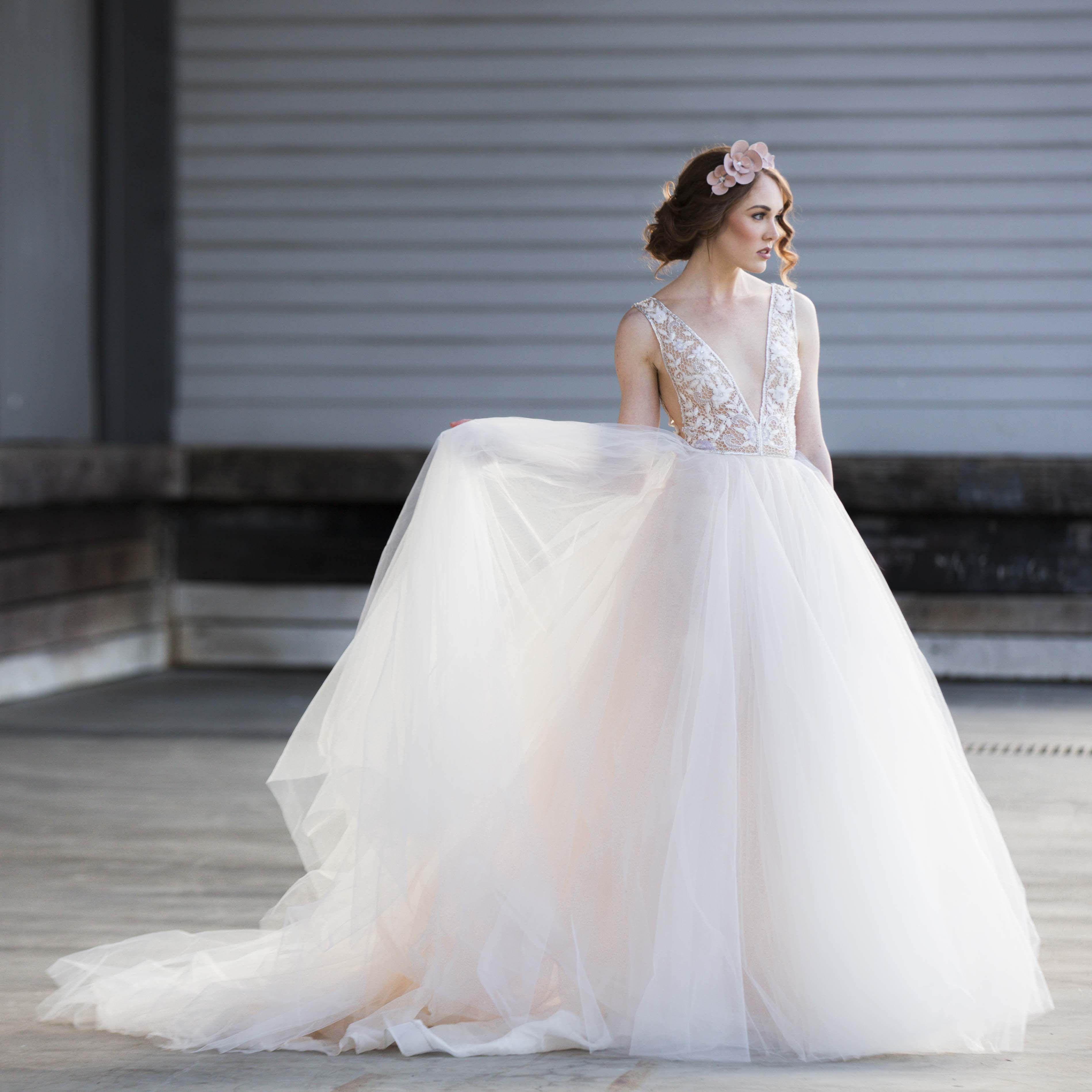 Schön Preowned Brautkleider Nyc Zeitgenössisch - Hochzeit Kleid ...