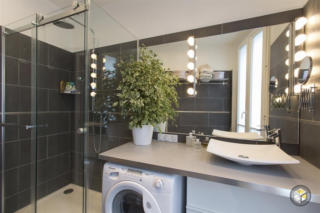 Salle de bain moderne avec douche italienne Salle de bain